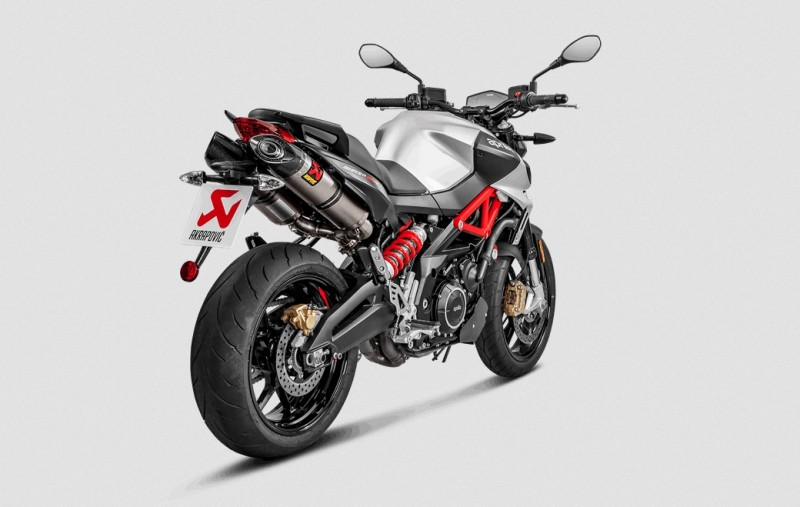 akrapovic auspuff slip on line f r aprilia shiver 900. Black Bedroom Furniture Sets. Home Design Ideas
